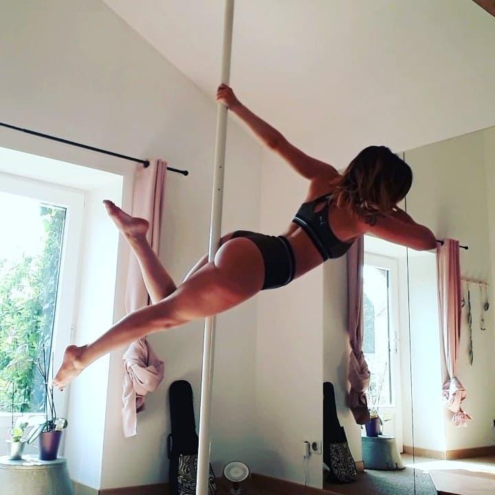 Initiation Pole Dance